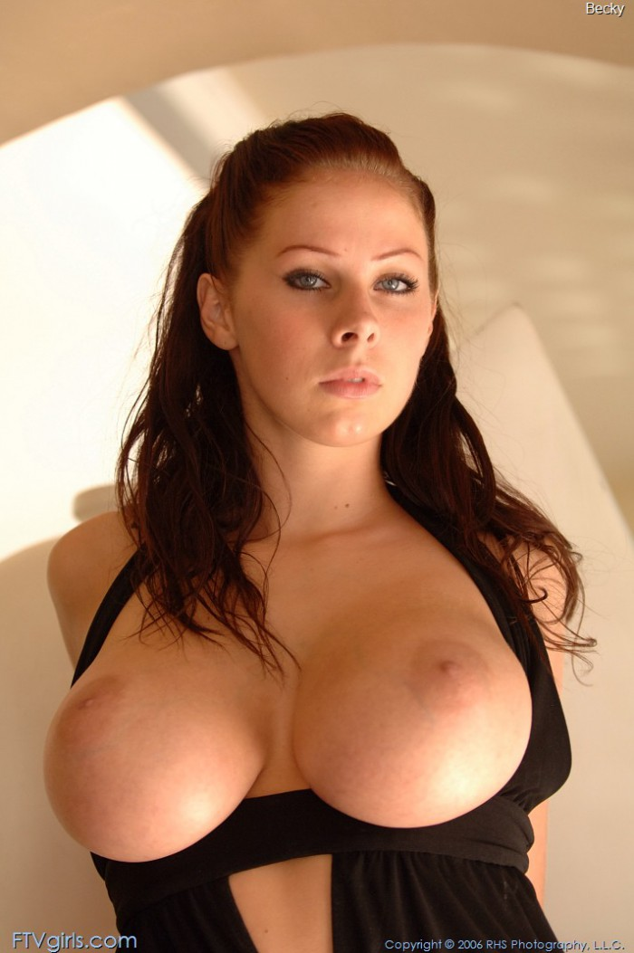 Gianna Michaels Posing